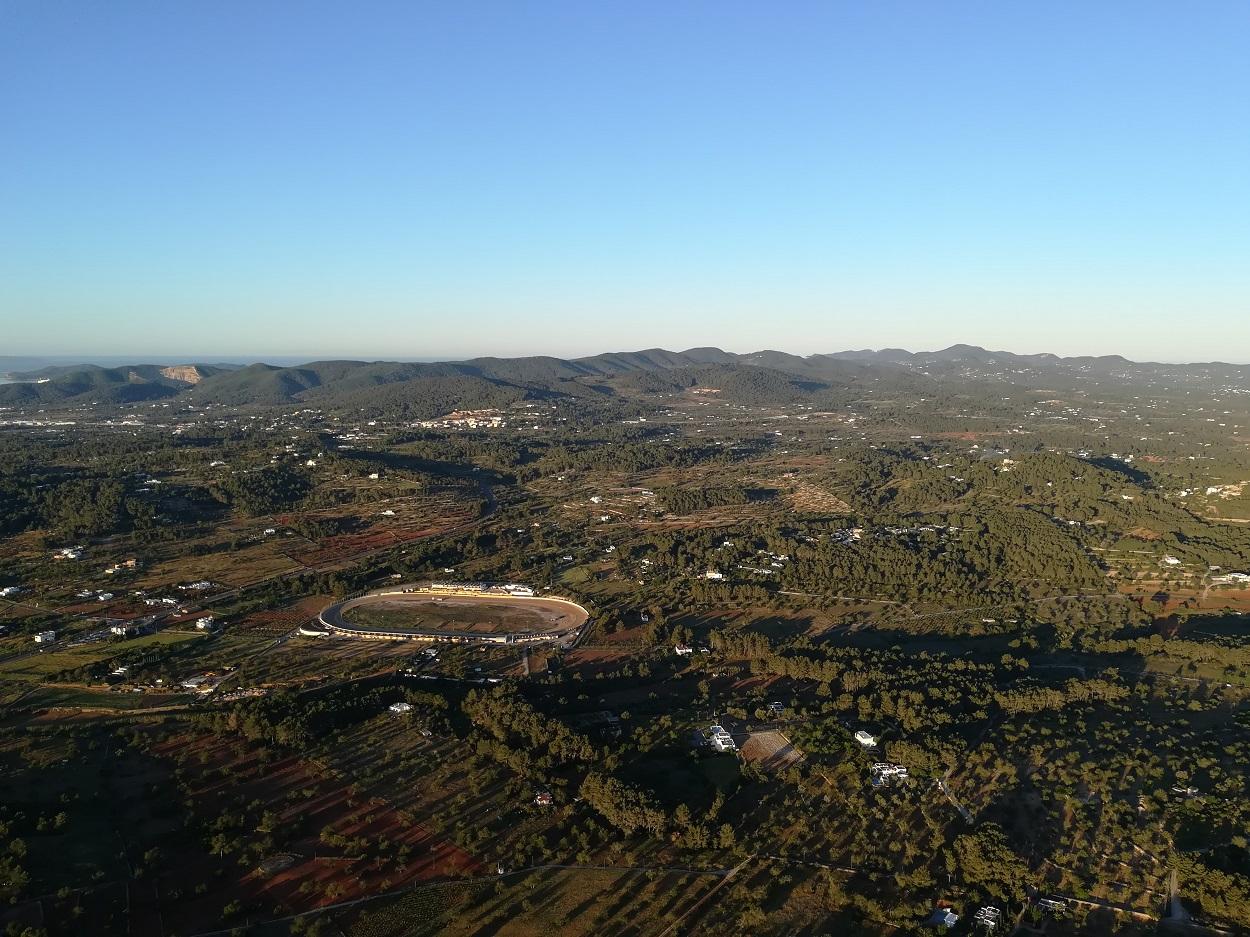 HETibiza balloonflight over Ibiza