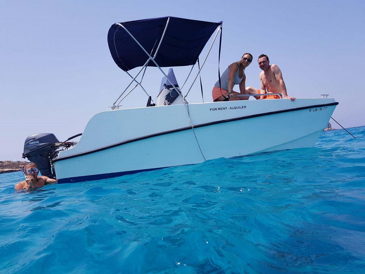HETibiza Boat rental without license
